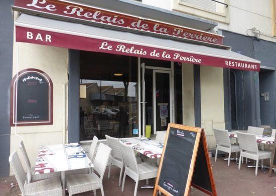 Le restaurant Le Relais de la perriere est proche du port de pêche et de l'hôtel Le Keroman.